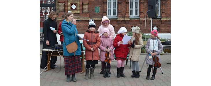В соборе прошла выставка-ярмарка, посвященная празднику Покрова Пресвятой Богородицы и Дню Матери